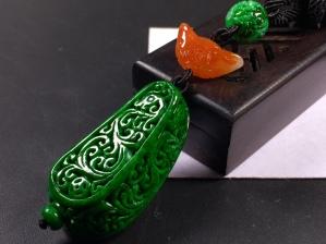 老坑花青辣绿雕花龙柱➕花件项链,完美度达95%以上,超值捡漏价,