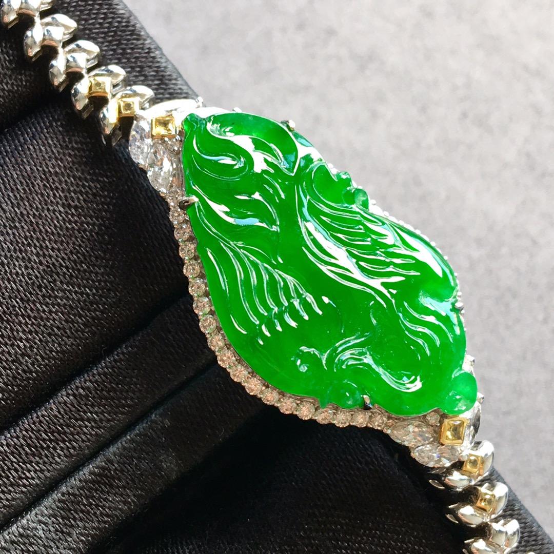 冰种阳绿凤凰手链,雕工精湛,料子细腻,很大气,裸石:29.5-16.3-3.3mm