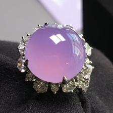 性价比 高冰粉紫戒指,饱满豪华镶嵌,裸石尺寸 14.4/14.4/6。镶嵌尺寸19.7/19.6/13。圈口 14号,直径 17mm