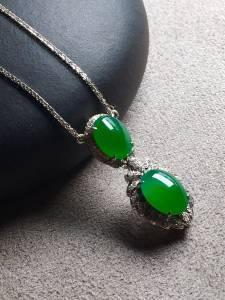 正阳绿蛋面锁骨项链,冰透,完美裸石:8.7-6.5-3