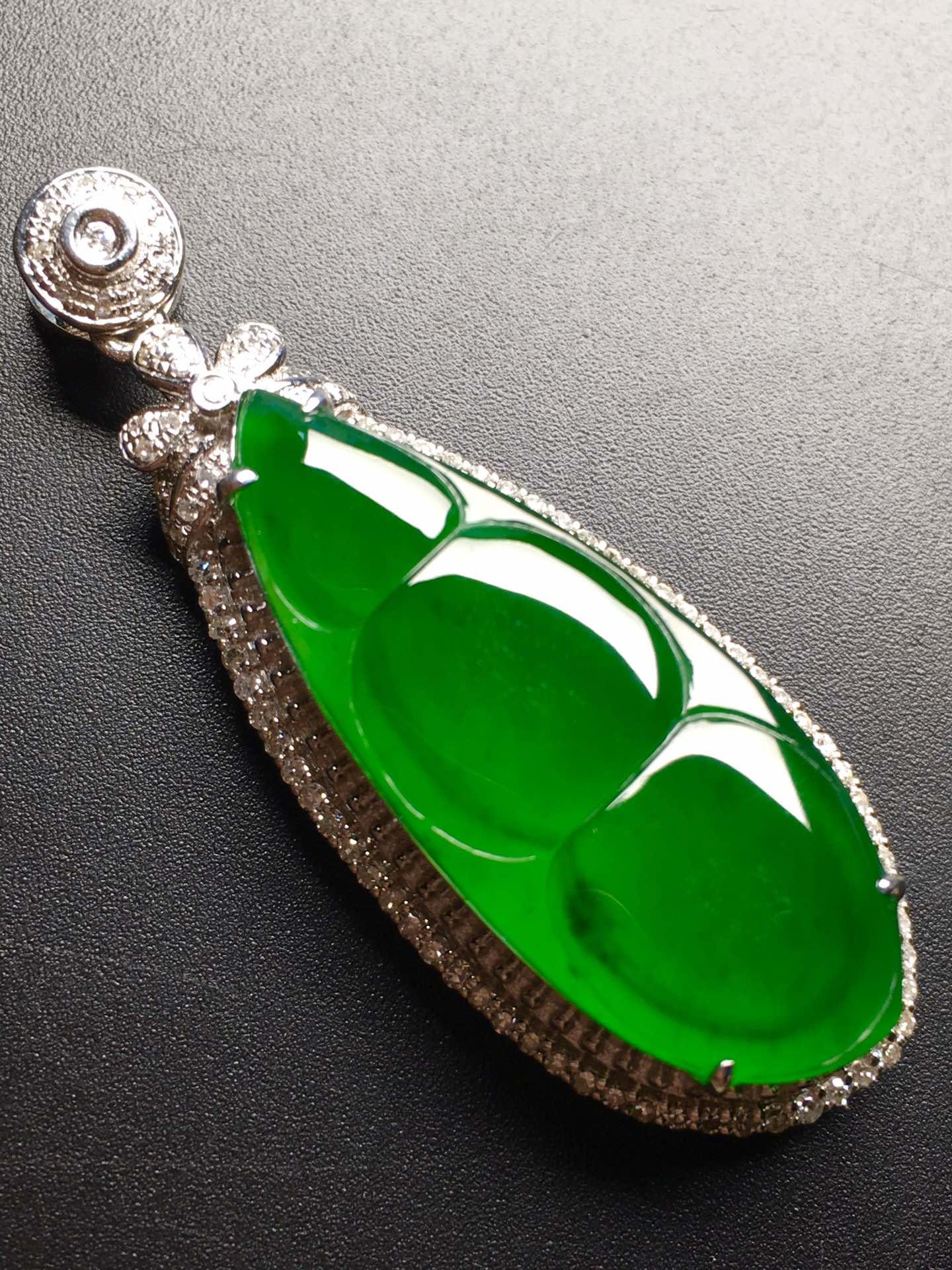 价❤帝王绿福豆吊坠,冰透水润,完美裸石:29.7-11.9-3