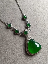 特惠价帝王绿锁骨项链,色辣,完美裸石:13.8-13.3-4