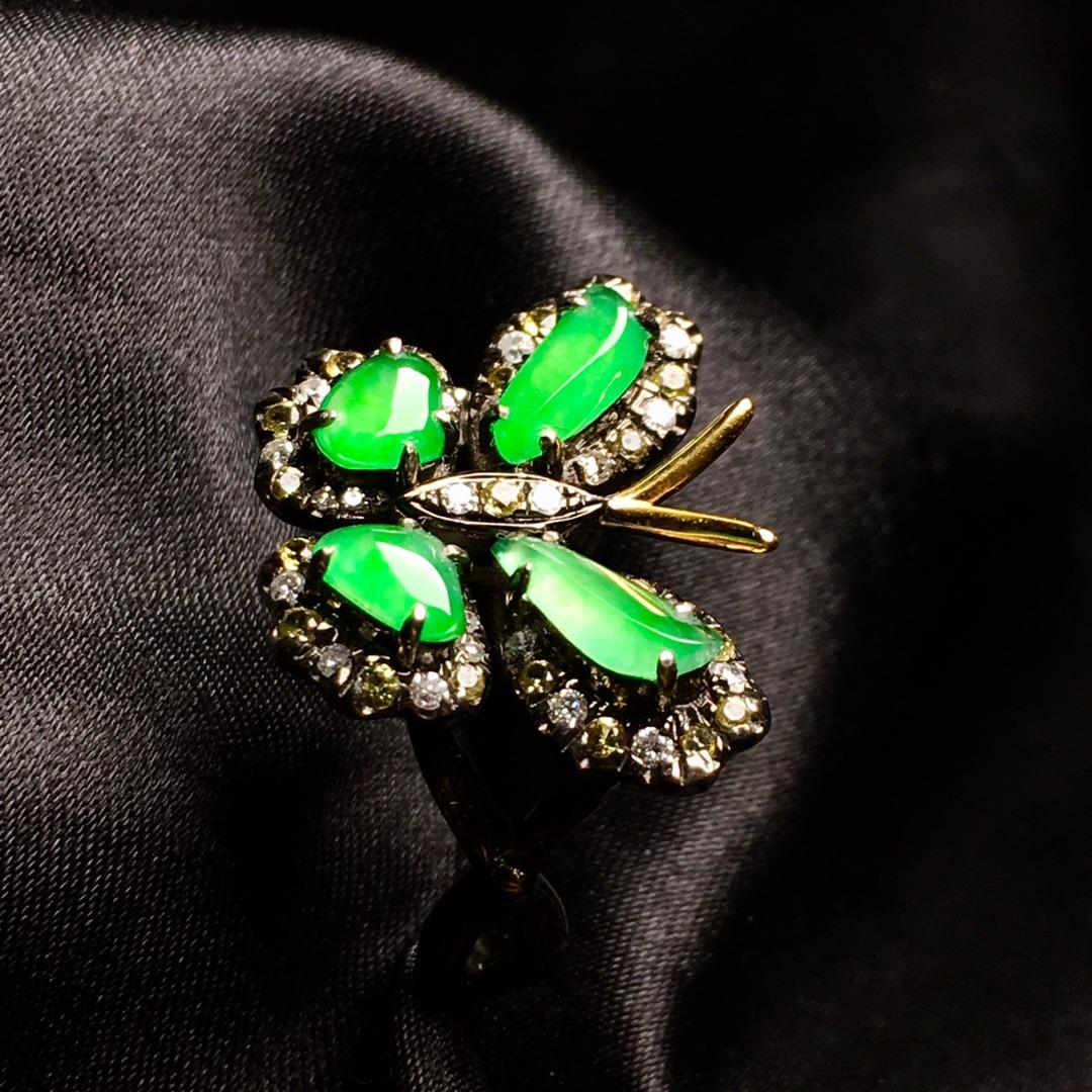 冰阳绿蝴蝶戒指,色阳,戒指内圈17裸石尺寸7-3-2,特惠价