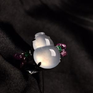 冰种葫芦戒指,饱满,精致,戒指内圈17裸石尺寸13.5-9.5-5,特惠价