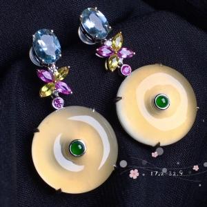 【平安扣耳环】很冰透,水润水细腻,完美,18k金华奢钻镶石嵌☕