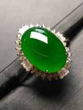 价❤帝王绿蛋面戒指,翠意浓浓,饱满完美。裸石:12.1-8.6-3.4