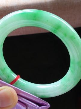 圆条手镯,飘绿花,尺寸57.5-11.7mm