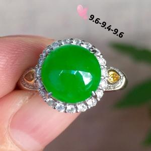 【戒指,高冰正阳绿】很冰透,润水细腻,完美,18k金华奢钻镶石嵌