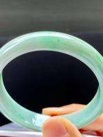 飘绿手镯,特惠(不议价)55/11.3/6.7,完美,种水老,颜色好看,冰透清爽,水润饱满,性价比高。T