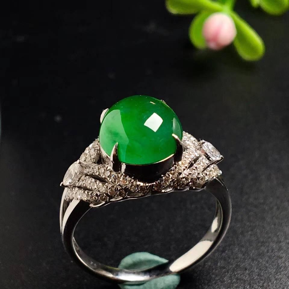 冰绿馒头戒指,色阳,戒指内圈17裸石尺寸9.5-8.8-5,特