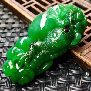 今非昔比.蜥蜴 雕刻精美独特惠 种水10足.完美 尺寸:43.5-22.6-11.4 特