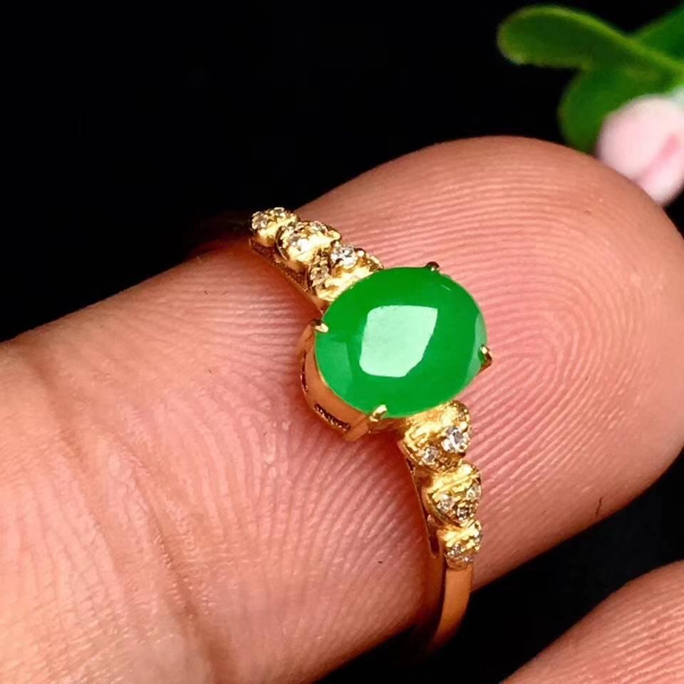 冰阳绿戒指,色阳,戒指内圈17裸石尺寸6.8-5-2.5,特,不议