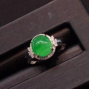 冰种正阳绿色女款戒指,水头好,色阳,蛋面饱满,完美无纹裂,18k白金镶嵌钻石,[爱心
