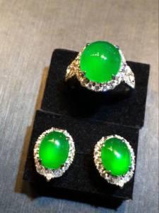 绿蛋面套装,戒指裸石11.5-10.5-5mm,耳钉裸石 9.5-7.5-4.5mm,1套