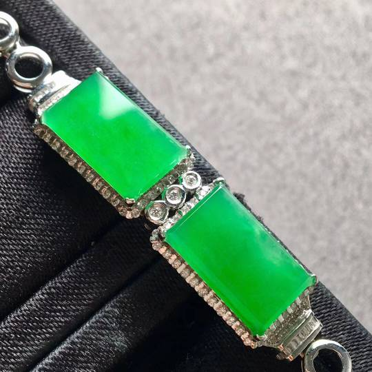冰種陽綠馬鞍2合1手鏈,裸石:13.2-8-3.5,13.2-8-3mm