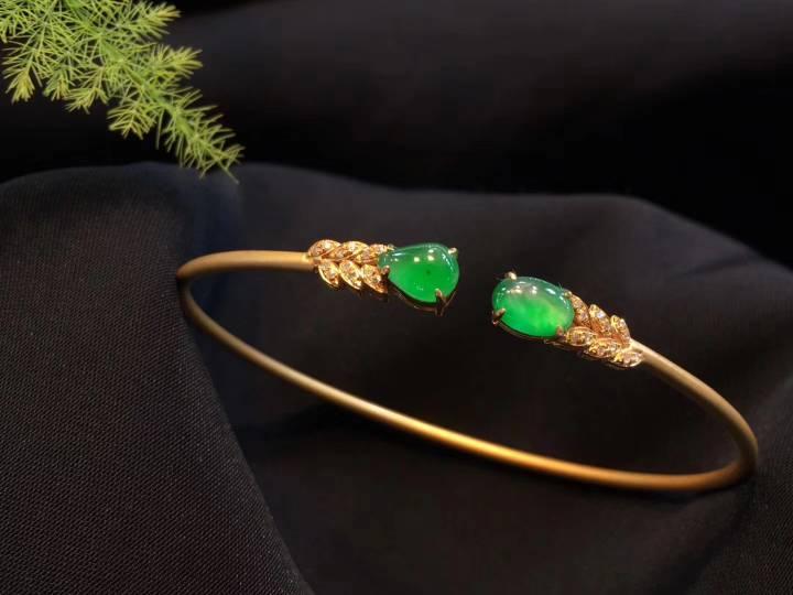 小精致 冰阳绿美镯 简约时尚超值不议����