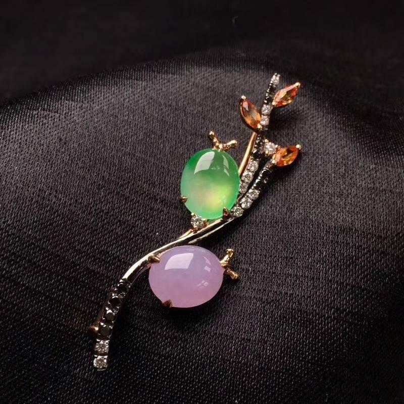 (42)双色胸针,款式新颖,完美,18k金镶嵌,裸石:9.6/7.9mm镶嵌:47.8/12/5.1mm