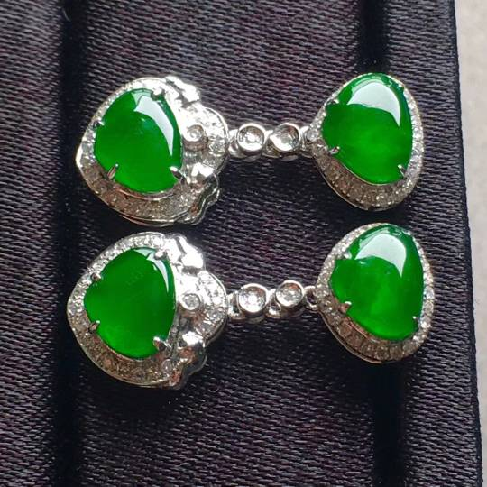 高冰帝王绿心形2合1耳环,点睛之翠