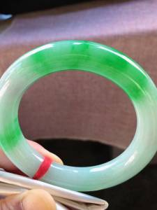 8号结缘,圈口55,正圈圆条手镯,阳绿花,水润,超值,完美,尺寸55-12.1-11.8mm