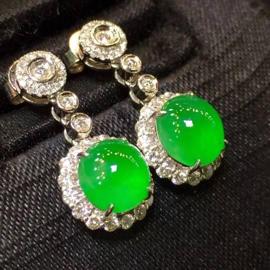 正阳绿蛋面耳坠,款式新颖时尚